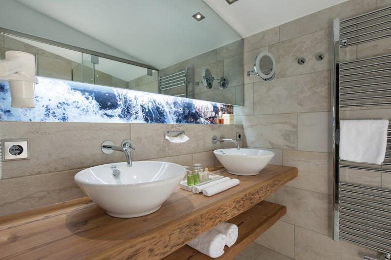 Kesselspitze_Zimmeraustatung_Hotel-room-equipment_apartment-design_Stilles_oprema-hotela1