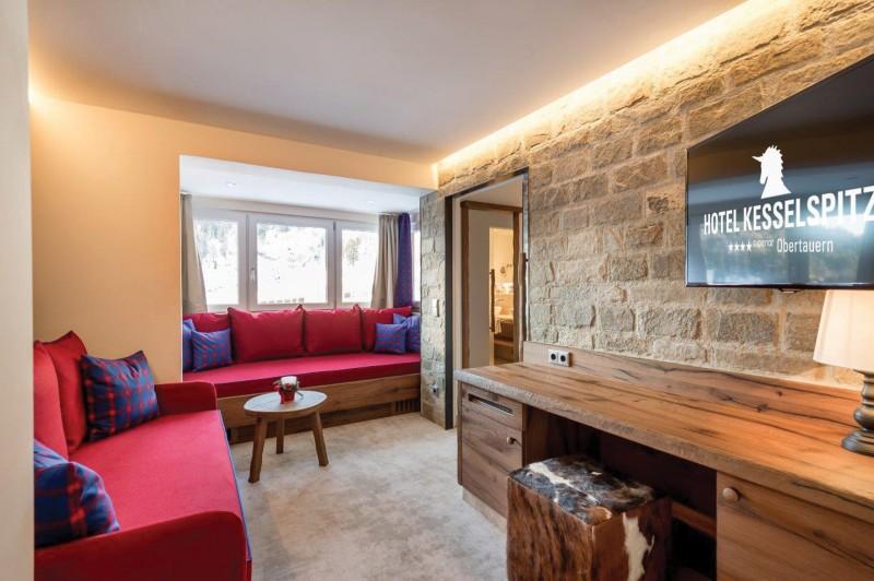 Kesselspitze_Zimmeraustatung_Hotel-room-equipment_apartment-design_Stilles_oprema-hotela3