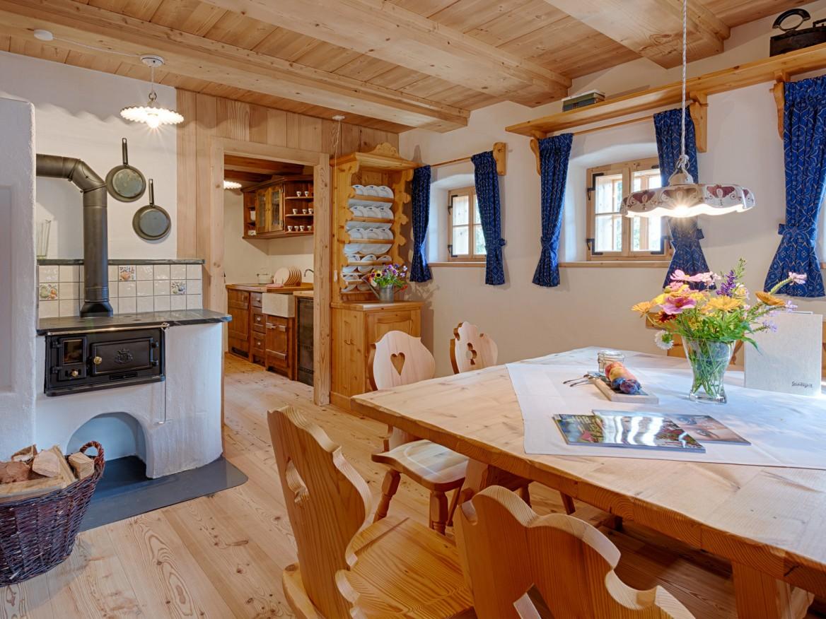 Seinerzeit-Almdorf_Cottage_Chalet-Alpenstil_Wodden-apartments_Austria_hotelska-oprema_Hotel-equipment_04