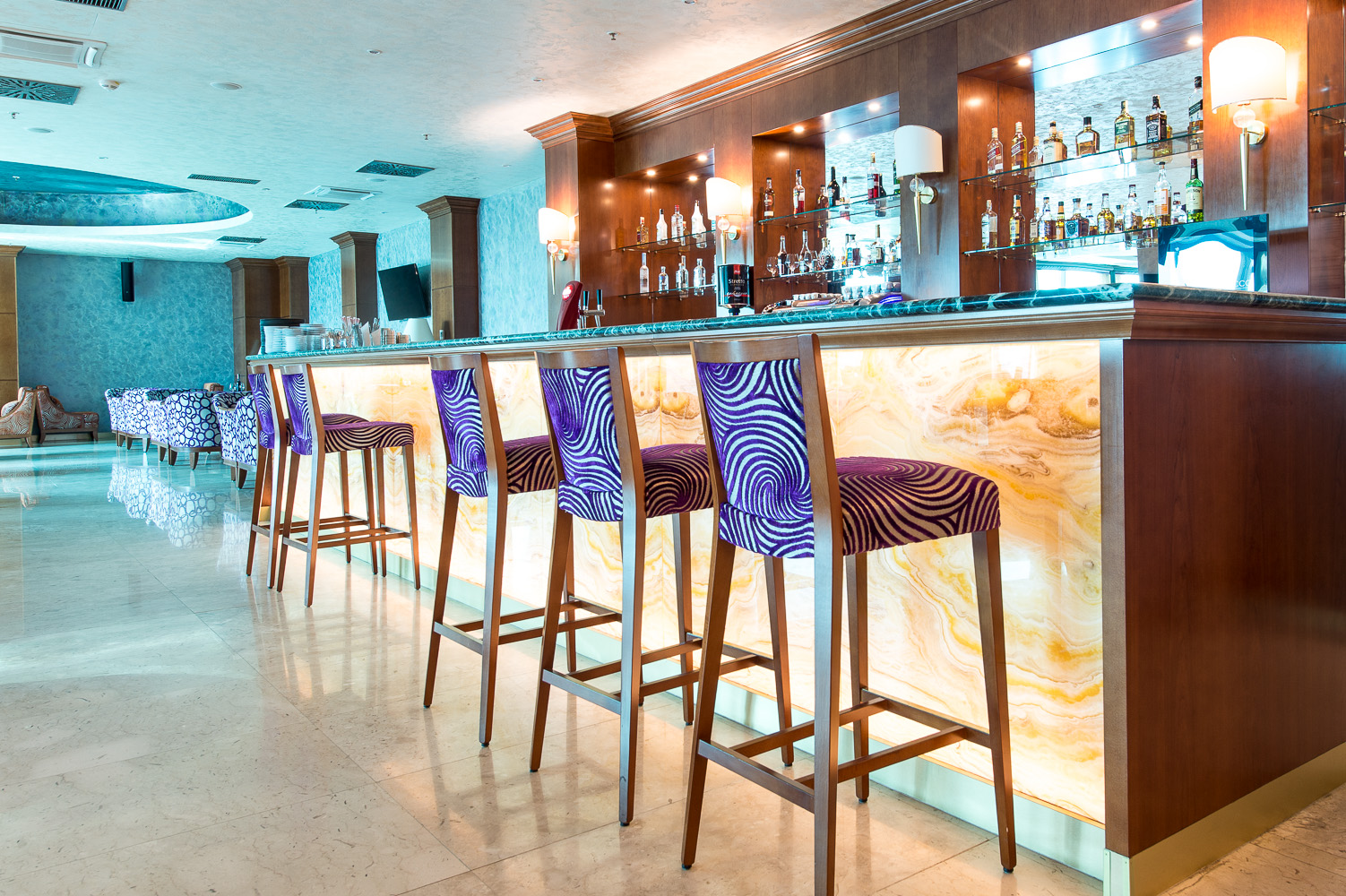 hotel-Mellain-Tuzla_oprema-javnega-dela_hotelske-sobe_oprema-hotela_hotel-furniture_lobby_restaurant_classic-furniture_10