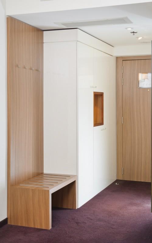 hotel-Lev_Ljubljana_hotelske-omare_hotel_wardrobe-Garderobeschrank
