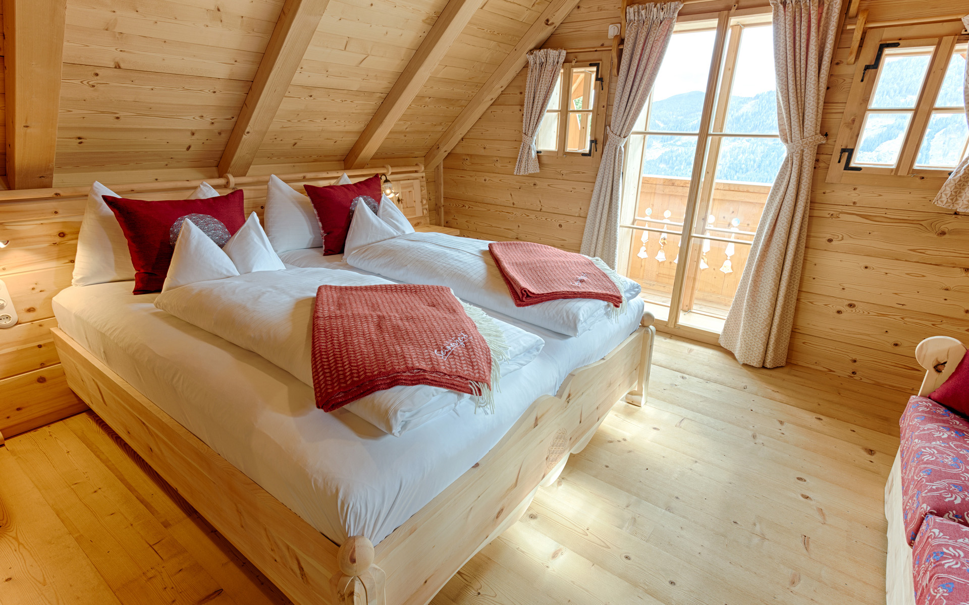 Seinerzeit-Almdorf_Cottage_Chalet-Alpenstil_Wodden-apartments_Austria_hotelska-oprema_Hotel-equipment_09