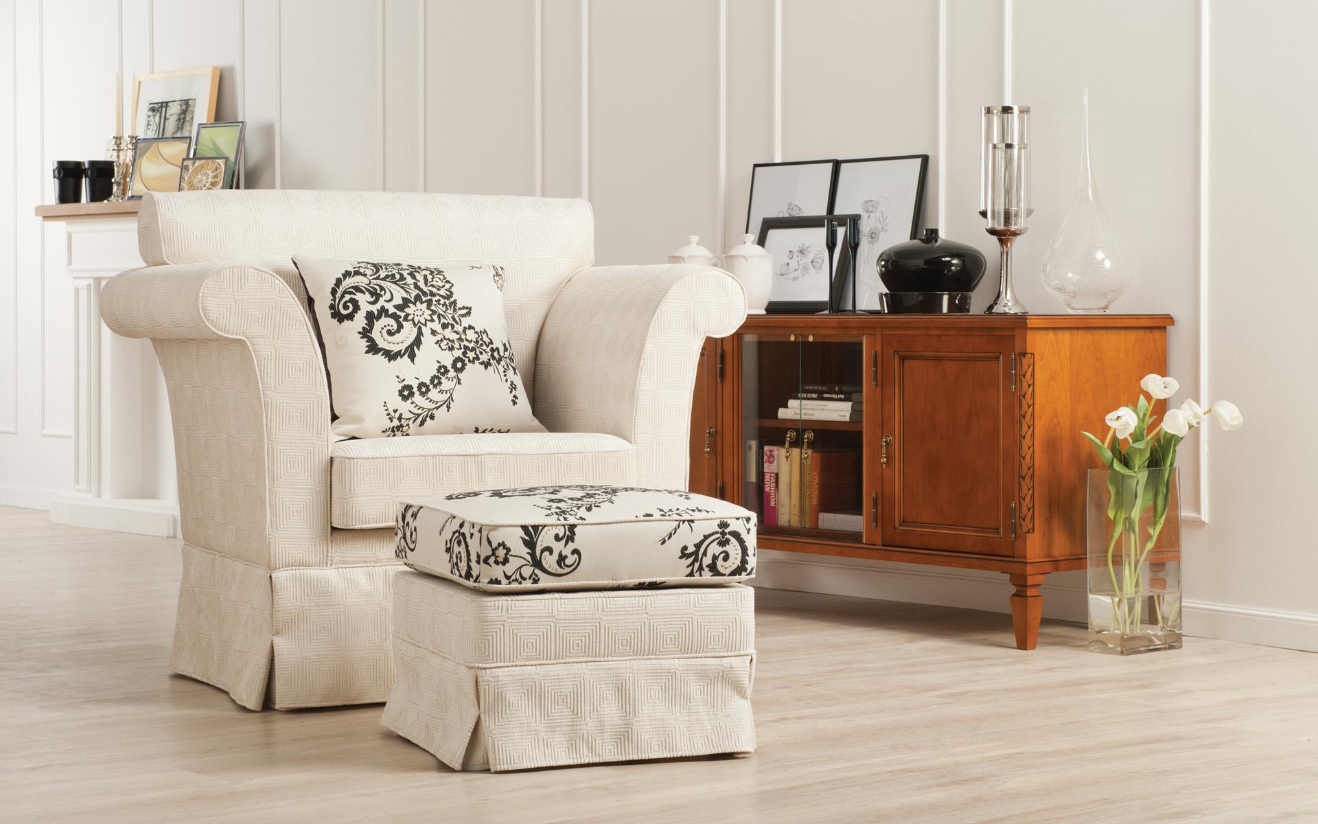dnevna-soba_day-room_Wohnzimmer_klasicno-pohistvo_classic-furniture_Klassischen-Moebel_Empire_7