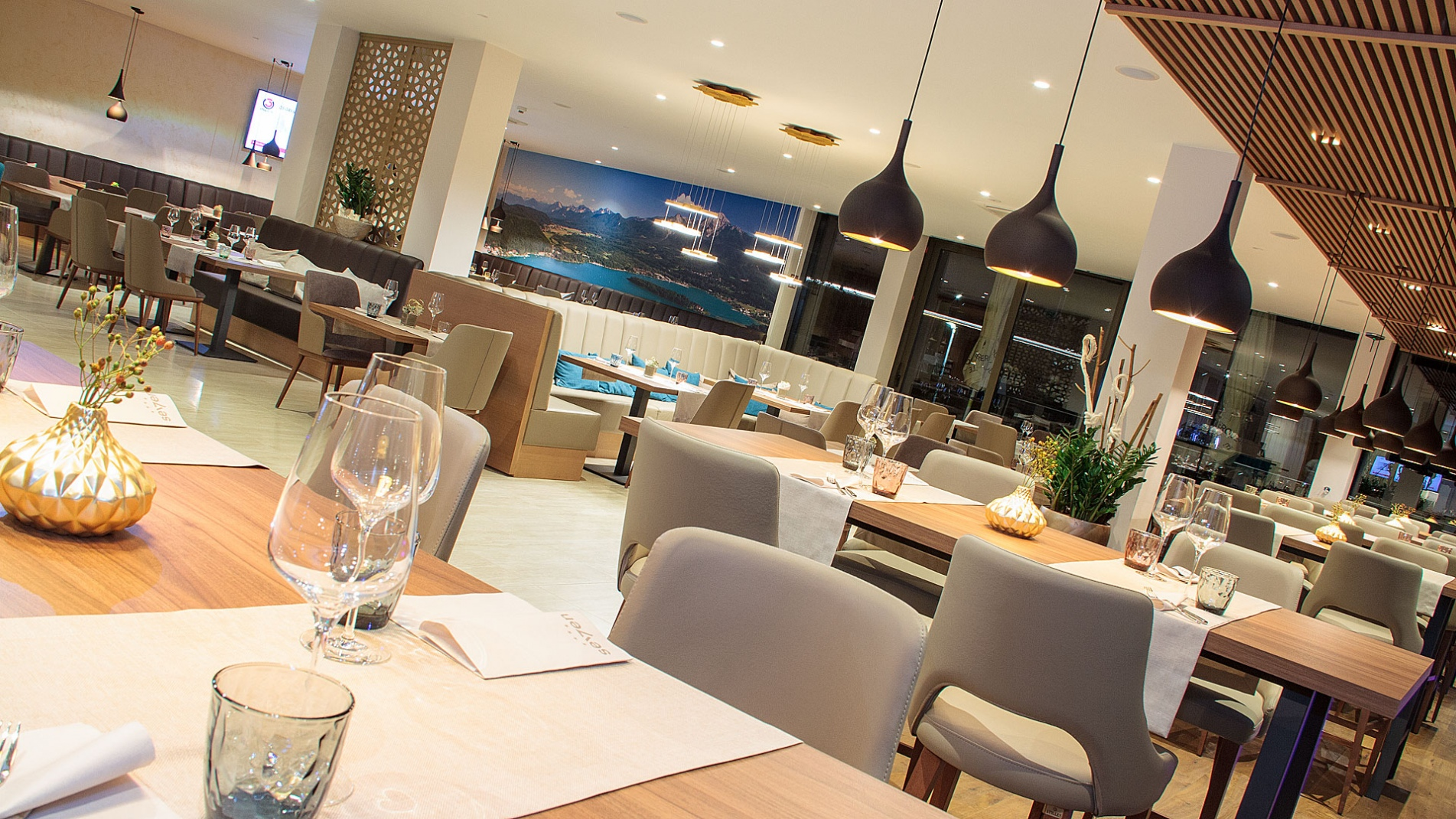 Restaurant Seven Rest