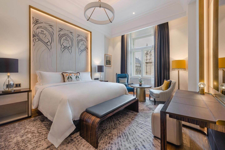 Budlc King Deluxe Guestroom 6547 Hor Clsc