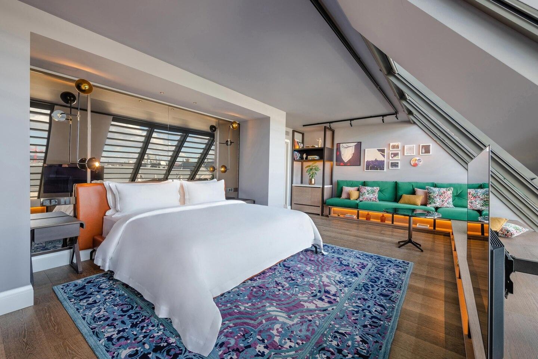 Budlc King Loft Room 6562 Hor Clsc