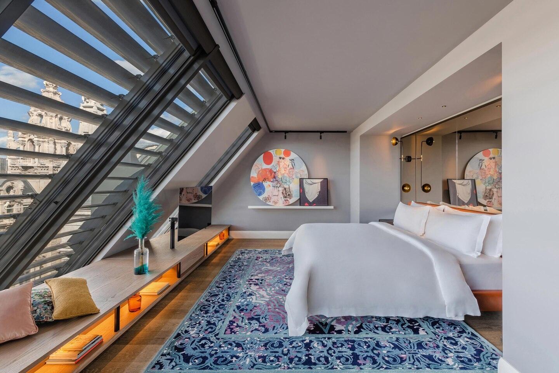 Budlc King Loft Room 6566 Hor Clsc