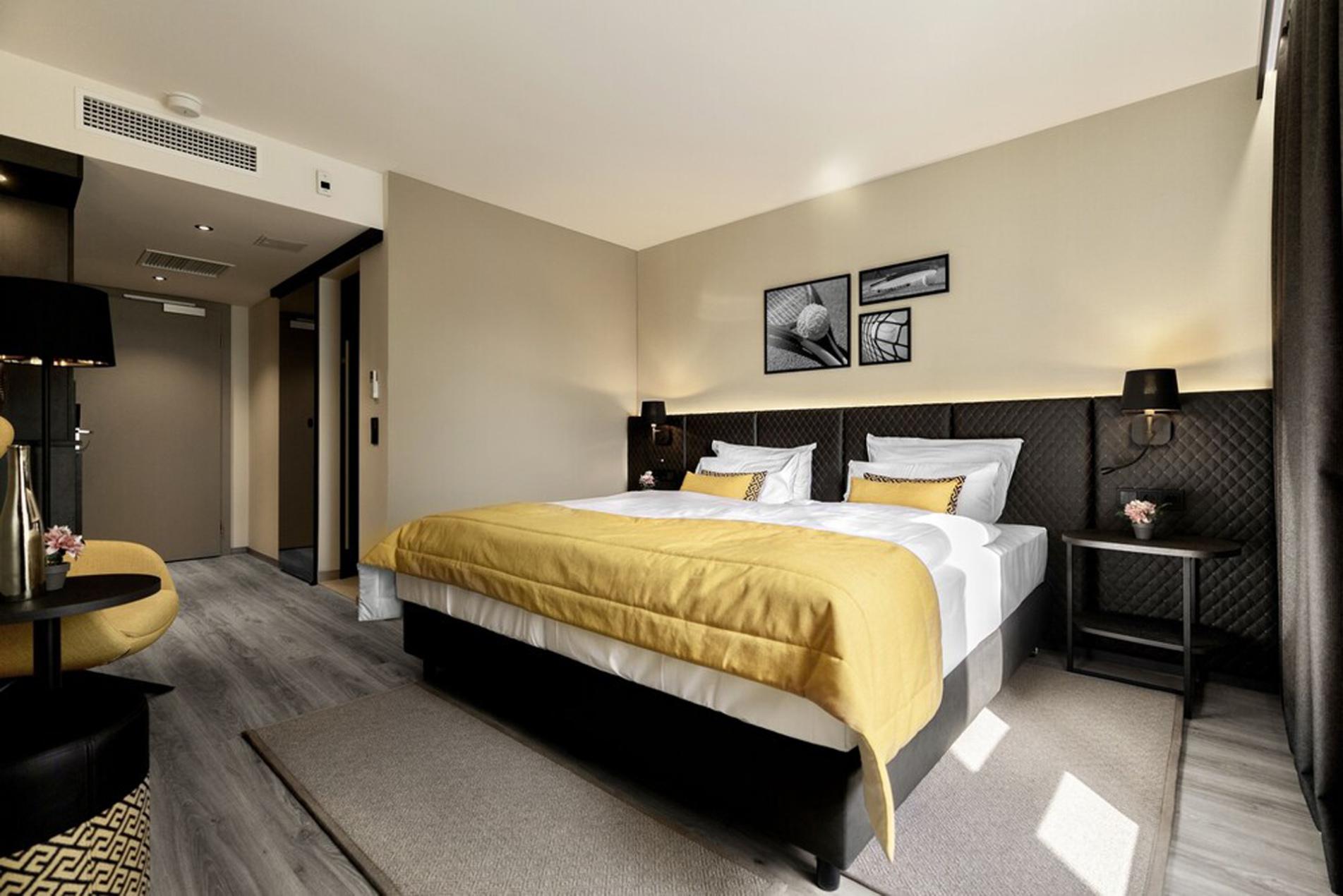 Court Hotel Gerry Webber Stilles Renovation (1)
